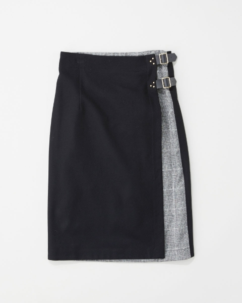 STUDS BUTTON TIGHT SKIRT